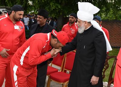 International Masroor Cricket individuals meet Huzur- Part2_ (32 of 63)
