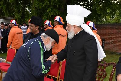 International Masroor Cricket individuals meet Huzur- Part2_ (35 of 63)