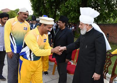 International Masroor Cricket individuals meet Huzur- Part2_ (60 of 63)