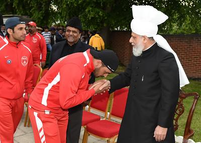 International Masroor Cricket individuals meet Huzur- Part2_ (23 of 63)