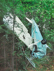 7/7/04 m.moorephoto            news---Scene of plane crash at Silver Ranch Airpark in Jaffrey.