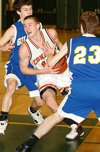 3/10/07. Hooper foto. Sports.  Trevor Young is fouled as he moves through traffic.