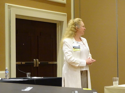AsMA President Valerie Martindale, welcomes the Scientific Program Committee members.