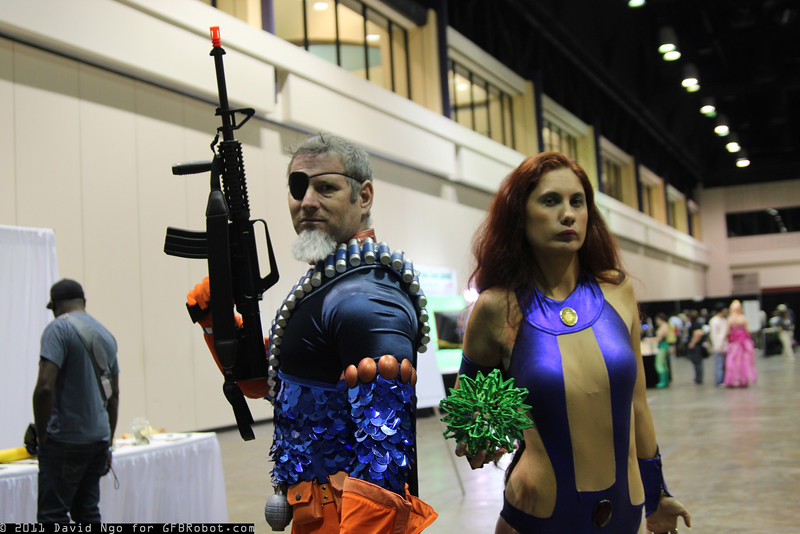 Deathstroke the Terminator and Starfire
