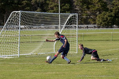 20150509 Football 1st XI HIBs v Tawa College _MG_1723 w WM