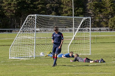 20150509 Football 1st XI HIBs v Tawa College _MG_1725 w WM