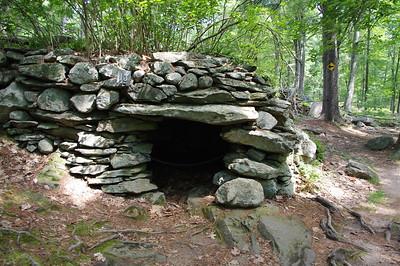 America's Stonehenge stone chamber