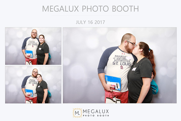 Megalux Photo Booth at St. Louis' Best Bridal Show 07-16-17
