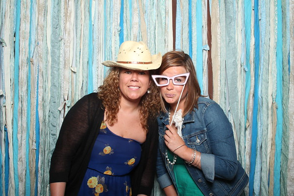 TaylorBarn-Hook-Wedding-Photobooth-011