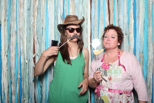 TaylorBarn-Hook-Wedding-Photobooth-003