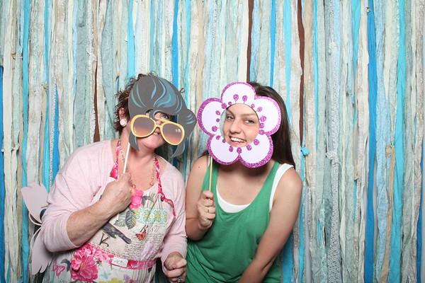 TaylorBarn-Hook-Wedding-Photobooth-005