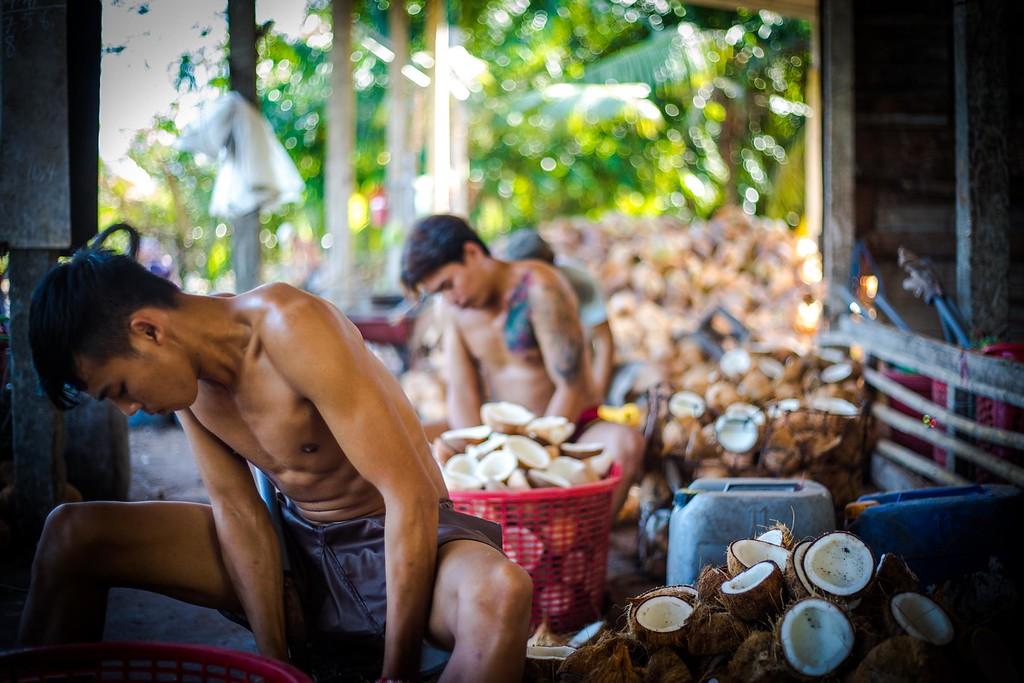 backpacking vietnam mekong tour