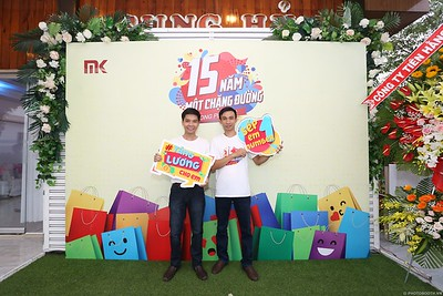 Mekong-Plastics-15th-Anniversary-instant-print-photo-booth-in-My-Tho-Tien-Giang-in-anh-lay-lien-WefieBox-photobooth-vietnam-003
