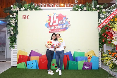 Mekong-Plastics-15th-Anniversary-instant-print-photo-booth-in-My-Tho-Tien-Giang-in-anh-lay-lien-WefieBox-photobooth-vietnam-008