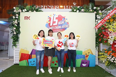 Mekong-Plastics-15th-Anniversary-instant-print-photo-booth-in-My-Tho-Tien-Giang-in-anh-lay-lien-WefieBox-photobooth-vietnam-005