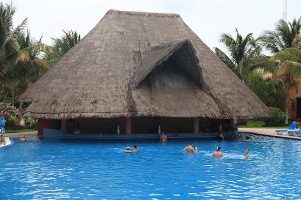 Bar w basenie