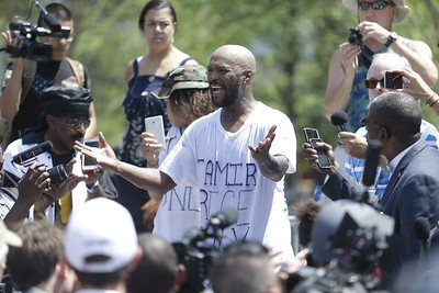 Protester cries out of the pain from the loss of innocent victims. Photo: Bro. Michael Muhammad
