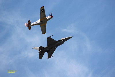 P-51 Mustang / F-16 Falcon Military Air Craft