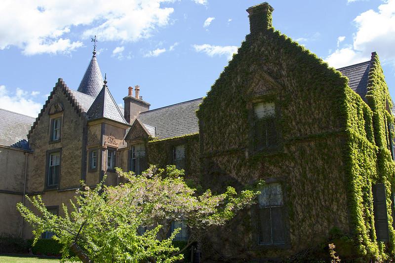 visit overnewton castle
