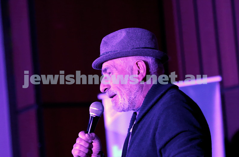 7-12-17. Melbourne Jewish Comedy Festival. Kadimah, Elsternwick. Henty Greener introducing MC Rachel Berger. Photo: Peter Haskin