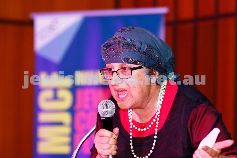 7-12-17. Melbourne Jewish Comedy Festival. Kadimah, Elsternwick. Hanna Baum. Photo: Peter Haskin