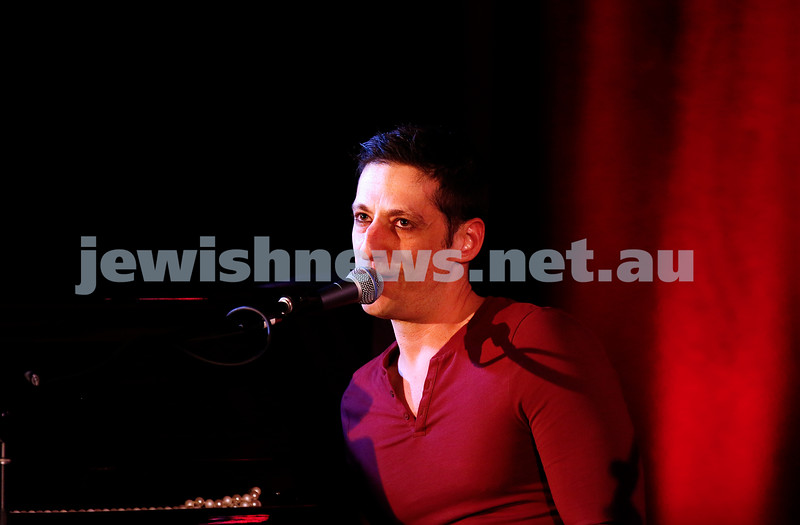 11-9-16. Melbourne Jewish Comedy Festival. MEMO Music Hall, St Kilda. Photo: Peter Haskin