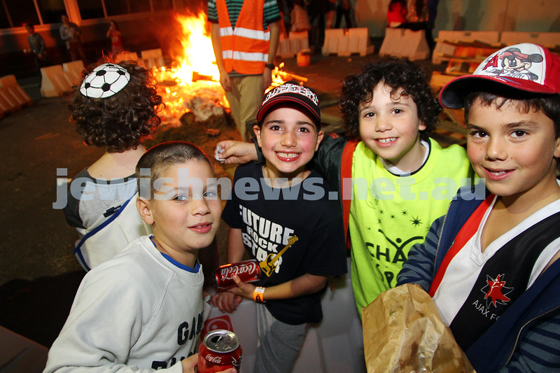 18-5-14. Lag B'omer 2014. Annual Bnai Akiva bonfire party at Mizrachi.  Photo: Peter Haskin