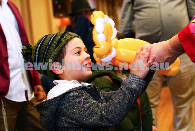 6-5-15. Lag B'omer 2015. Ballon fun at South Caulfield Shul. Photo: Peter Haskin