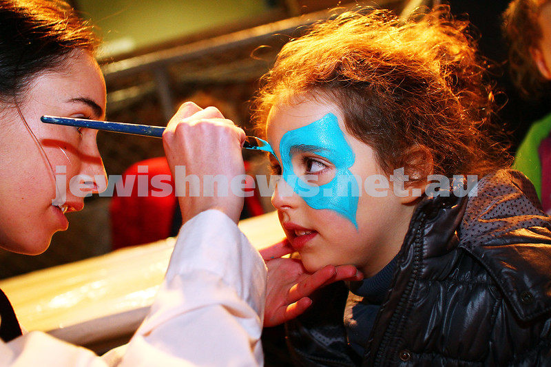 6-5-15. Lag B'omer 2015. face painting at Mizrachi. Photo: Peter Haskin