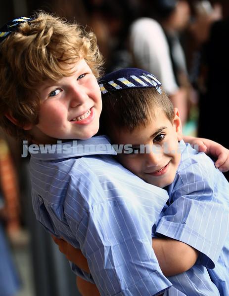 31-1-13. First day of school at Leibler Yavneh College.  Yoni Ginsberg (left), Ziv Golbandi.  Photo: Peter Haskin