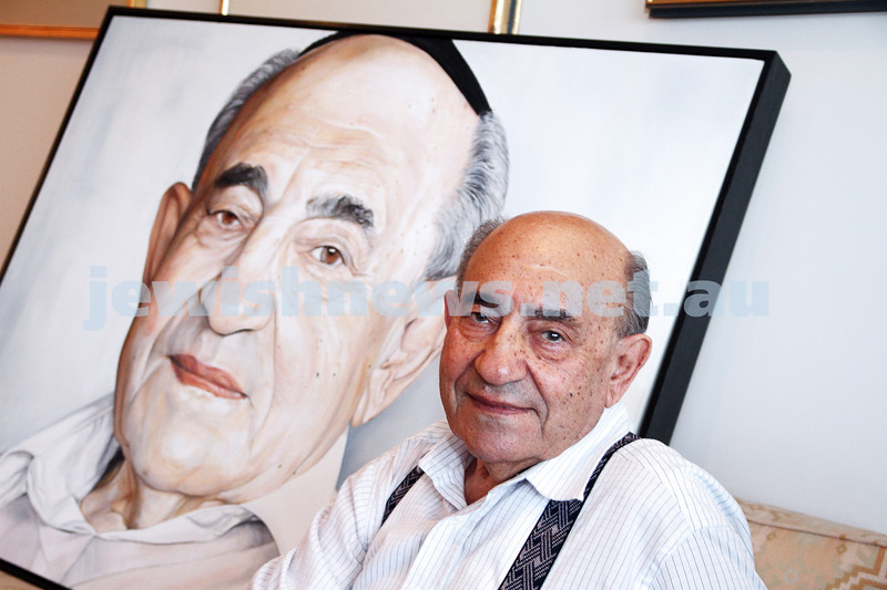27-2-13. Leon Jedwab with the portrait that was painted of him by Ron Cockle for the entry into the 2013 Archibald prize. Photo: Peter Haskin
