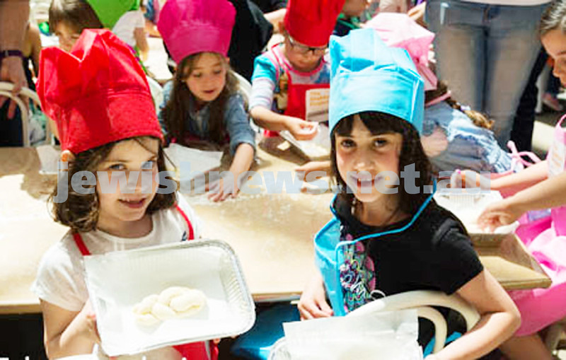 Kids challah bake at Chadstone. Photo: Talya Erinbaum