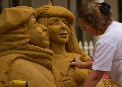 Sand sculptor (II)
