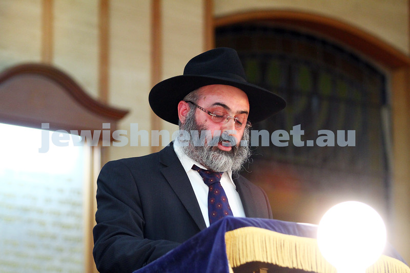 16-6-14. Melbourne communal solidarity event. More than 400 people attended a meeting and prayers at Caulfield Shul to show solidarity for the three kidnapped Israeli teenagers. Photo: Peter Haskin