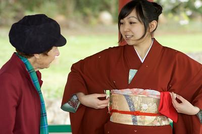 Hanami at Olinda. Gyan explains her kimono.