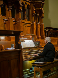 Organ player at Scots' Church