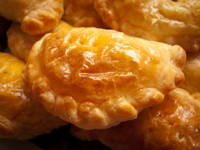 Ah Yng's Home Made Curry Puffs taste best in Winter (July 2010)