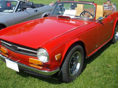 File source: http://commons.wikimedia.org/wiki/File:%2768_Triumph_TR6_(Hudson_British_Car_Show_%2712).JPG