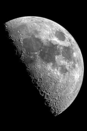 052515-Sharp moon shot with Questar