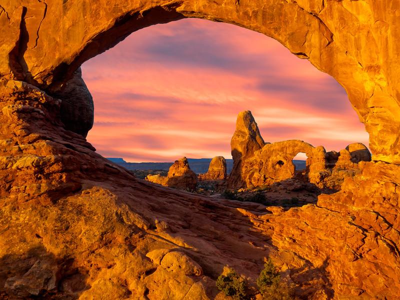 Bob Kenney,   Arches Sunrise