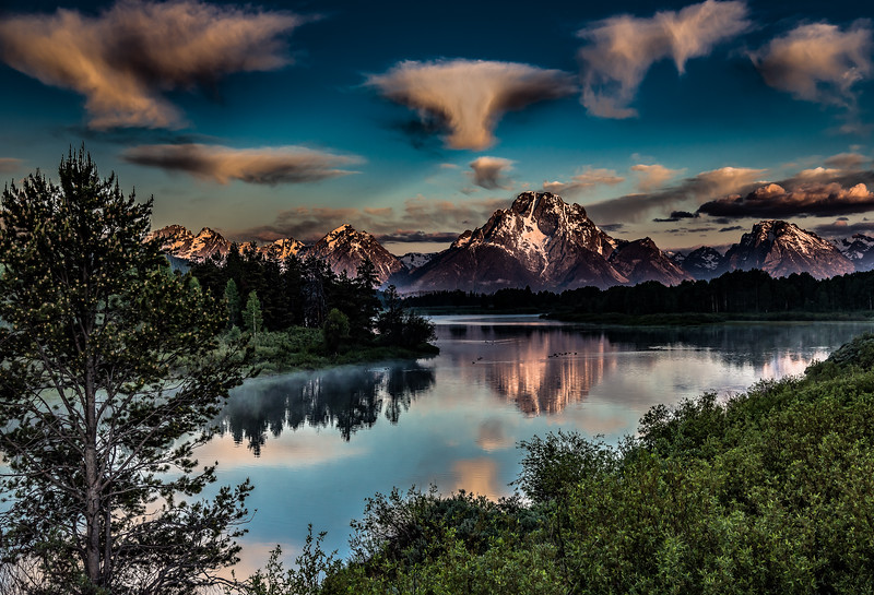 Gary Bicker,   Morning at Oxbow Bend