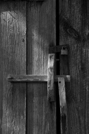 Locked and Latched<br /> Photographer: Dale Robertson<br /> Monochrome<br /> Score: 11 April 2009