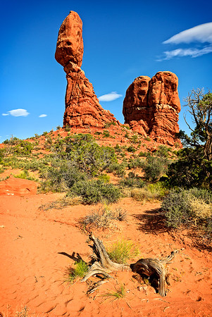 Title:Balancing Rock, Category: Landscape, Score:13, Maker: Jim Lawrence