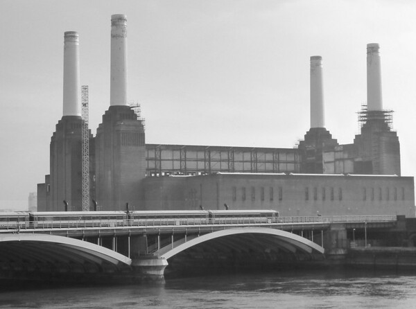 Mike Crowley battersea power station (mono)