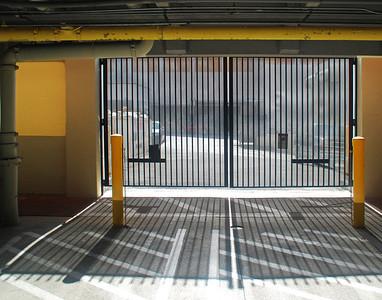 Prison Effect In A Garage