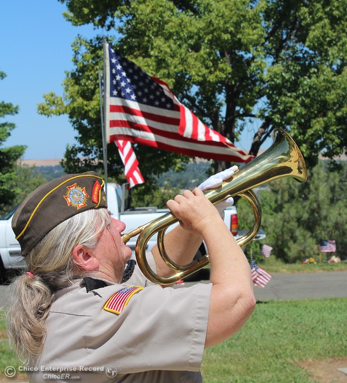 ". Steve Schoonover -- Mercury-Register Buglar Susan Sharon plays ""Taps\"" at the close of Memorial Day services at Memorial Park Cemetery in Oroville, Monday May 28, 2018."