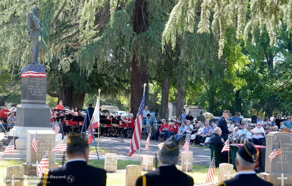. Master of Ceremonies Larry Wahl, Retired Navy Commander speaks during the Memorial Day Ceremony held at the Chico Cemetery in Chico, Calif. Monday, May 28, 2018. (Bill Husa -- Enterprise-Record)