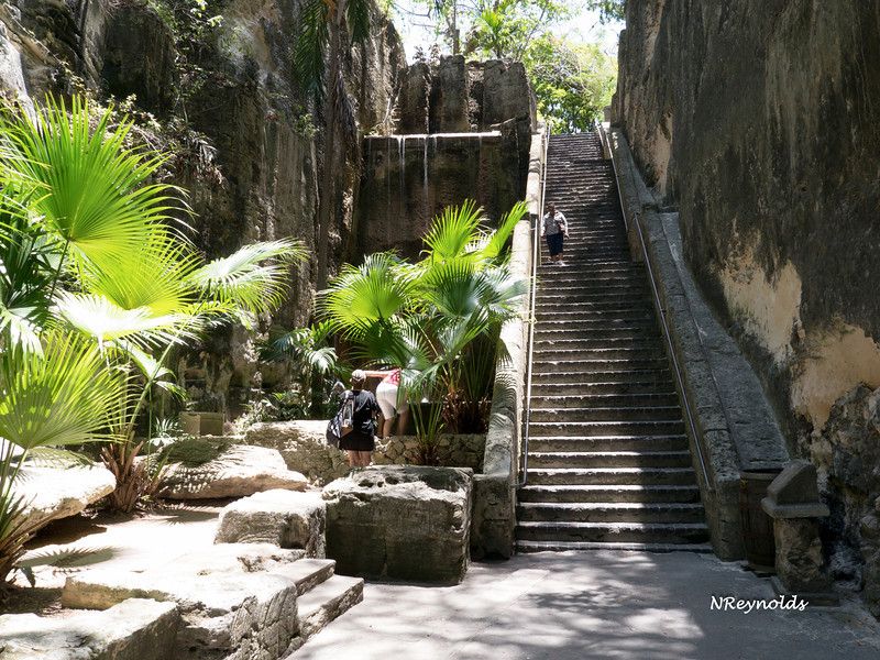Bahamas Queens Staircase