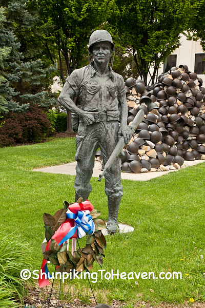WW II/Korean War Memorial, Zanesville, Ohio