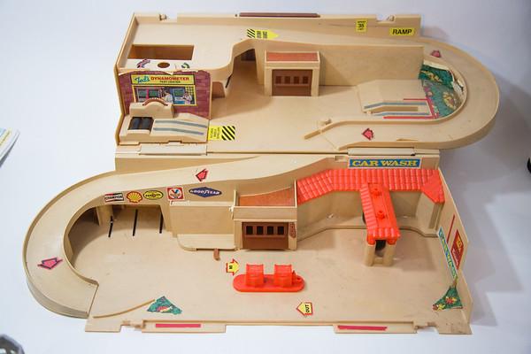 1979 Hotwheels Service Center